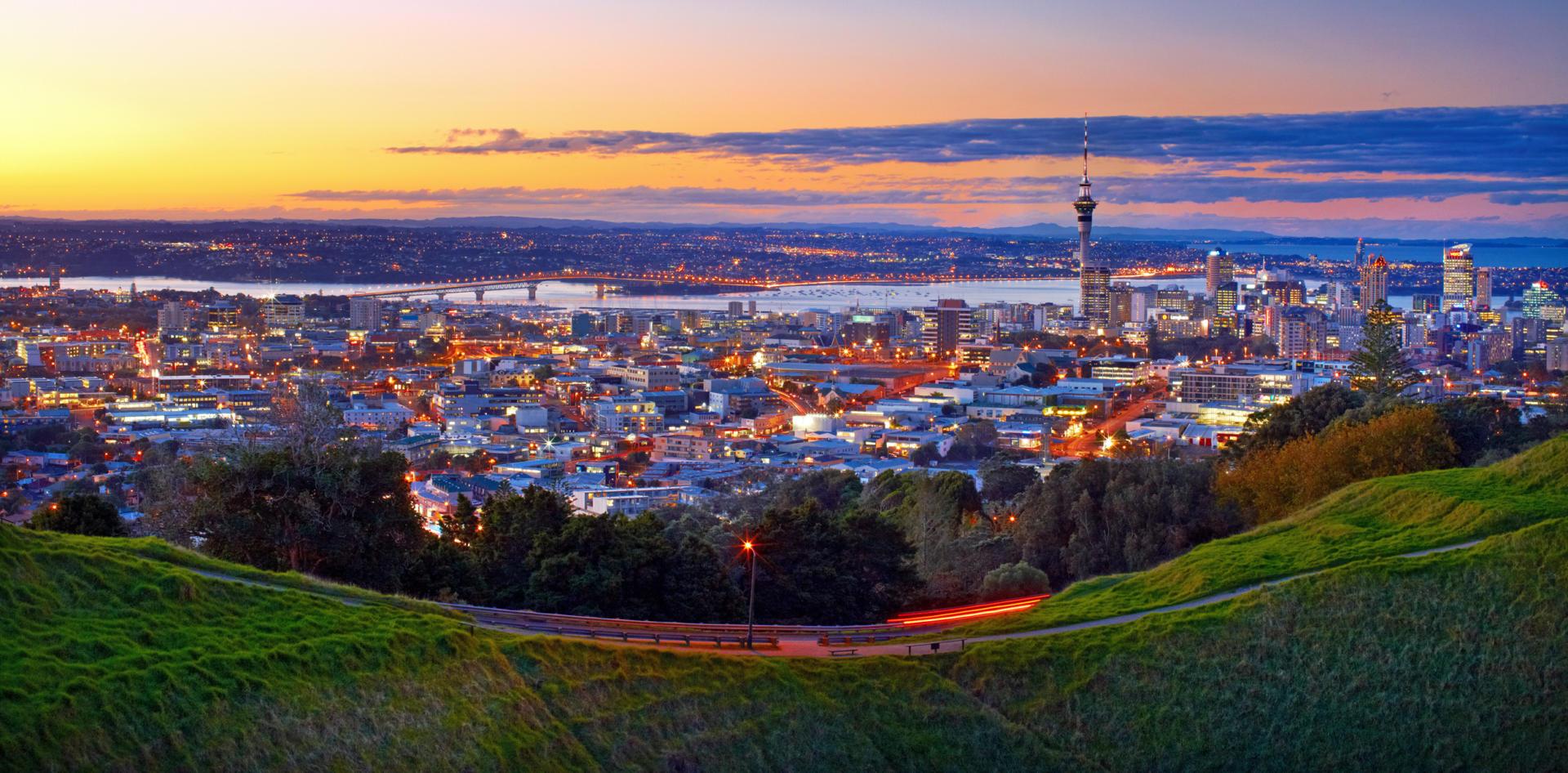 Auckland City 04 P