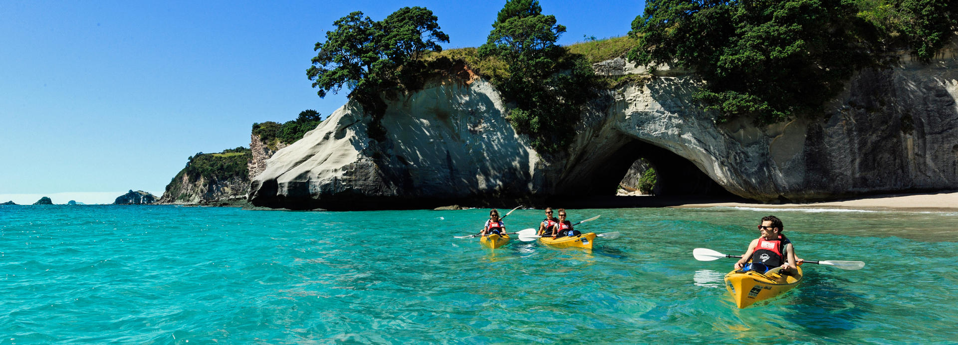 Waikato Cathedral Cove 01 P